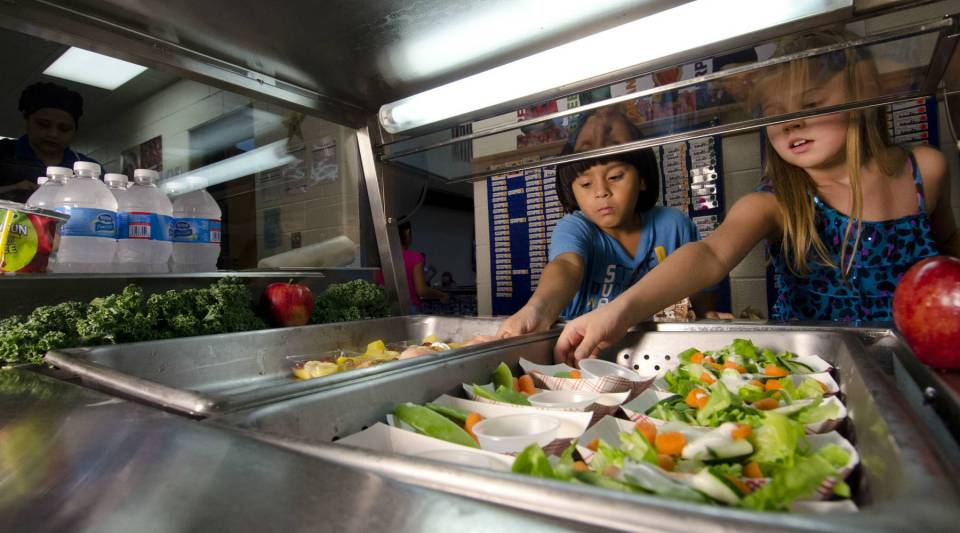 Students atYorkshire Elementary School in Manassas, Virginia, samplenew school dishes on a menu created to meet new standards.