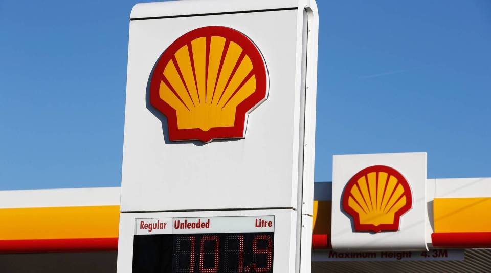 Shell's proposed merger with BP faces new questions.