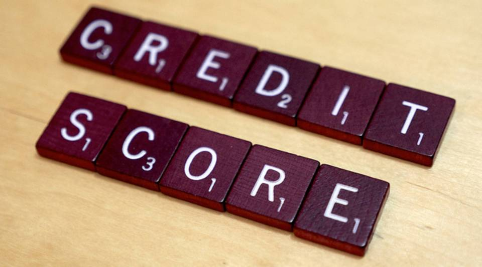 Banks dip their toes into a new market: people without traditional credit scores.