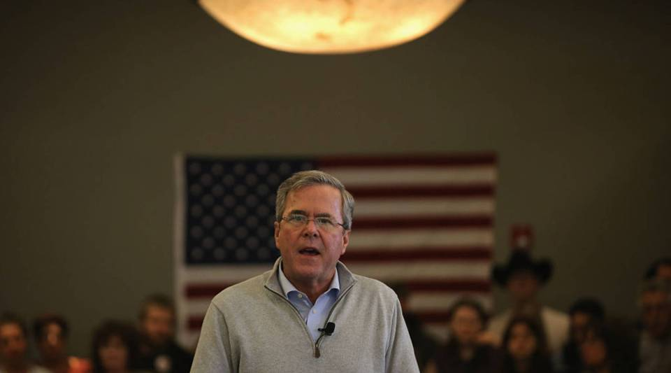Jeb Bush addresses an audience of supporters on January 29, 2016 in Sioux City, Iowa.