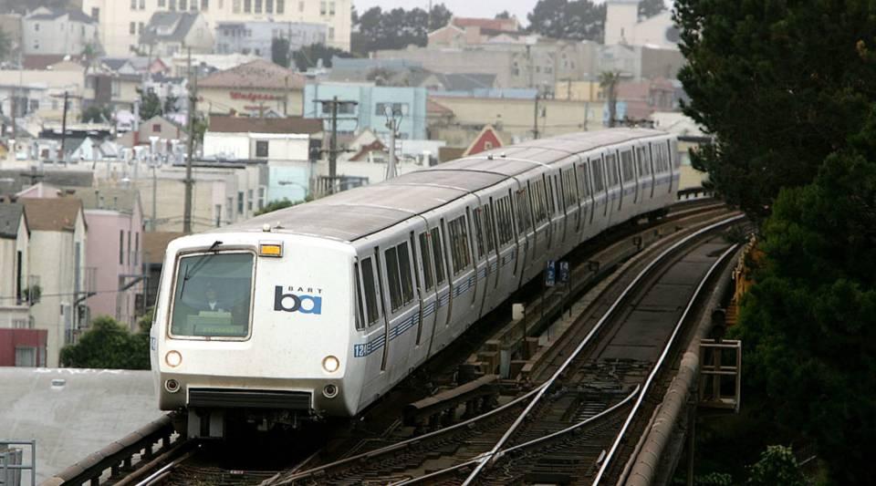 The BARTtrain travels towards downtown San Francisco.