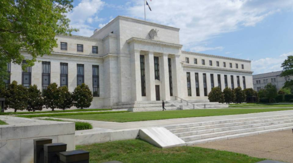 A view of the U.S. Federal Reserve building.