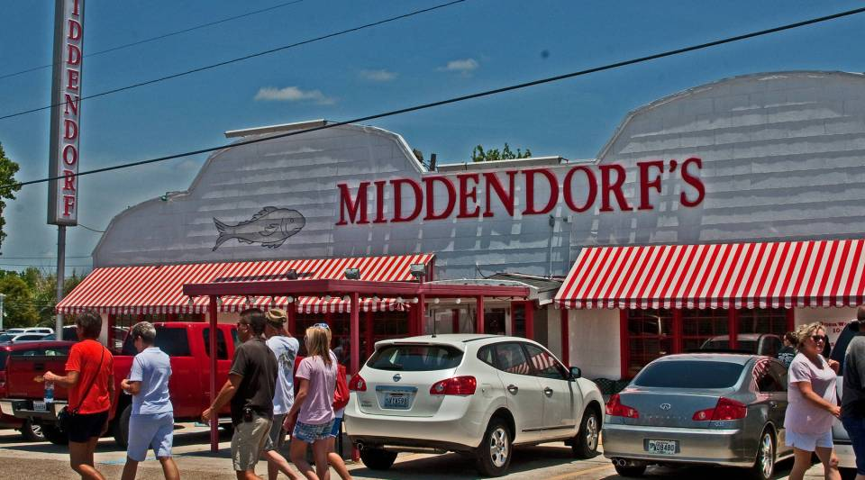 A front view of Middendorf's.