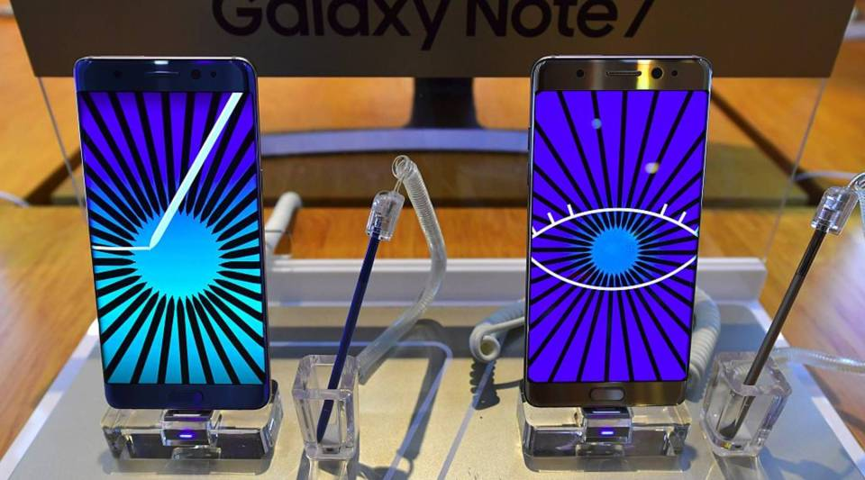 Samsung Galaxy Note7 smartphones are displayed at a Samsung showroom in Seoul. Samsung will suspend sales of its latest high-end smartphone Galaxy Note 7 after reports of exploding batteries, its mobile chief said on September 2.