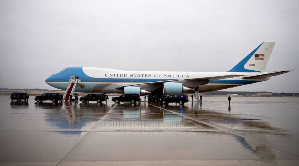 Air Force One is seen on the tarmac on December 6, 2016 at Joint Base Andrews, Maryland. President-elect Donald Trump tweeted this morning that the government should cancel the order for the new Air Force One replacement from Boeing, citing the more than $4 billion price tag.