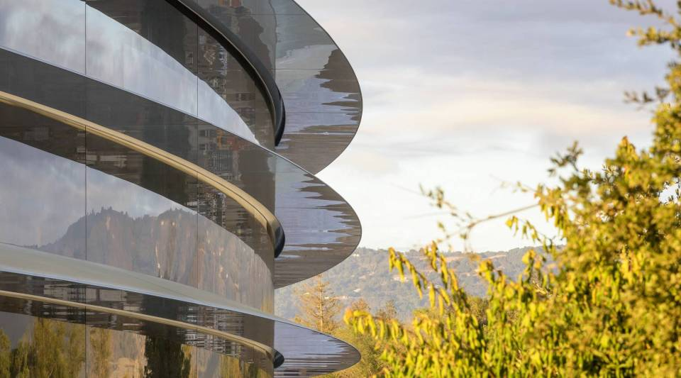 The new Apple Park campus in Santa Clara Valley comes with a great view, but will it lead to more collaboration and productivity?