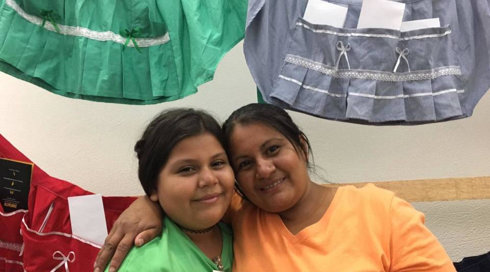 Wendy Hernández, right, from La Cachada Teatro, with her daughter Gabi in San Salvador.