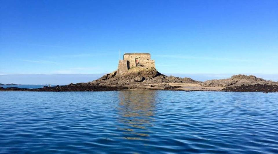 Petit-Bé Fort, which is available for stays through Airbnb.