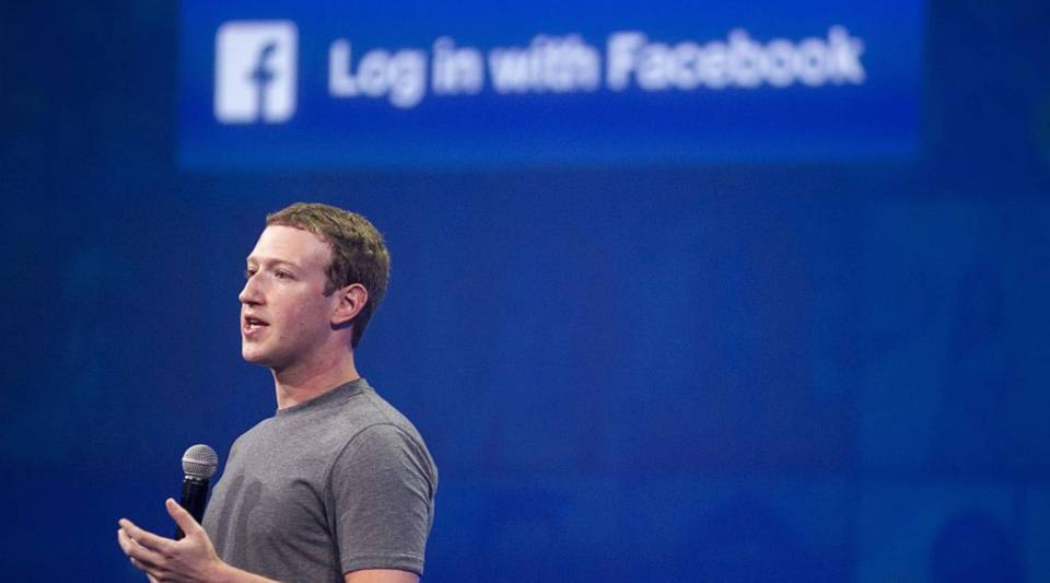 Facebook CEO Mark Zuckerberg speaks at the F8 summit in San Francisco, California, on March 25, 2015. Zuckerberg introduced a new messenger platform at the event. (Photo: Josh Edelson/AFP/Getty Images)