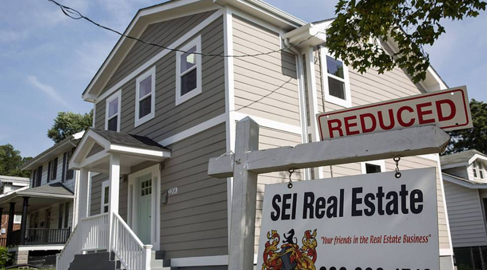 Real estate website Zillow reported that more sellers lowered their asking prices in June.