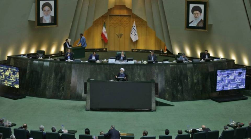 President Hassan Rouhani speaks at the Iranian Parliament in the capital Tehran, on August 28, 2018. - It was the first time Rouhani had been summoned by parliament in his five years in power, with MPs demanding answers on unemployment, rising prices and the collapsing value of the rial, which has lost more than half its value since April.