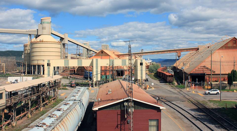 Rio Tinto ships raw material and finished ingots in and out of its own port facility on the bay of the Saguenay River, which flows out to the Saint Lawrence and the Atlantic Ocean.