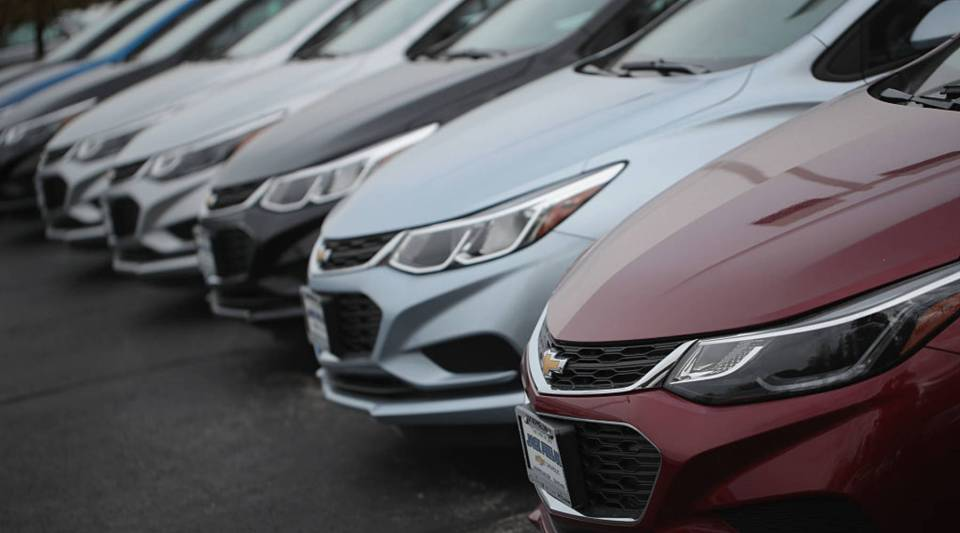 Chevrolet Cruze cars offered for sale in Lyons, Illinois.