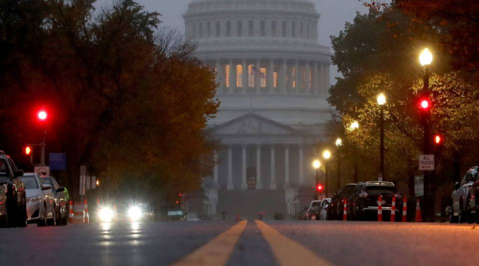 Fog surrounds the U.S. Capitol building on November 6, 2018 in Washington, DC.(Photo by Mark Wilson/Getty Images)