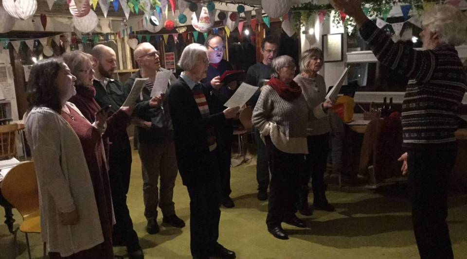 Rehearsal of the Strawberry Thieves Choir.