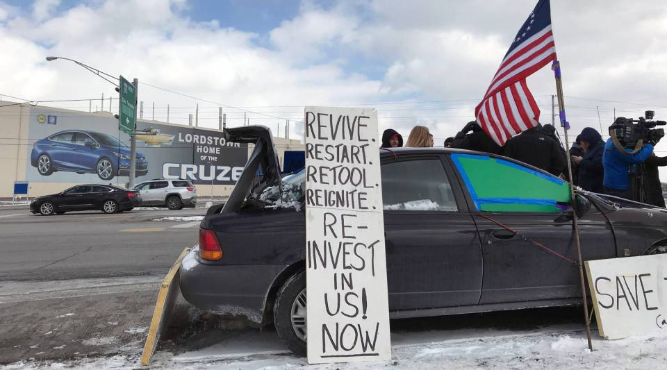 """As the final Chevy Cruze shift ended, some workers gathered outside the plant to protest GM's decision to put the facility in """"unallocated"""" status."""