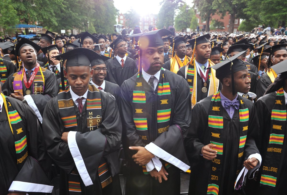 The story behind Robert Smith paying off a whole class' student debt - Marketplace