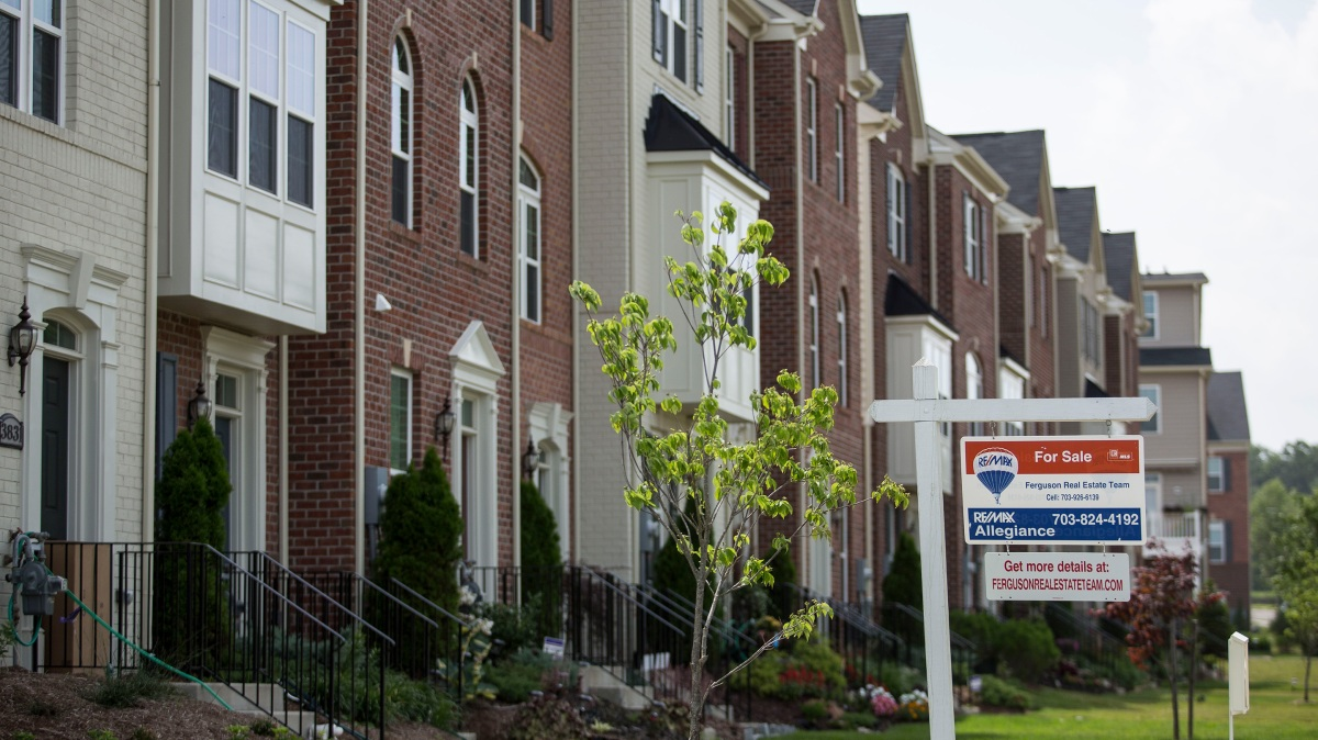 Condo loan qualifications loosened as FHA eases crisis-era restrictions