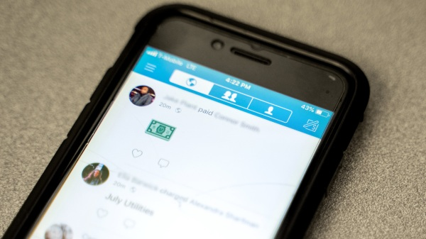 """What happens when you """"Venmo"""" the wrong person? - Marketplace"""