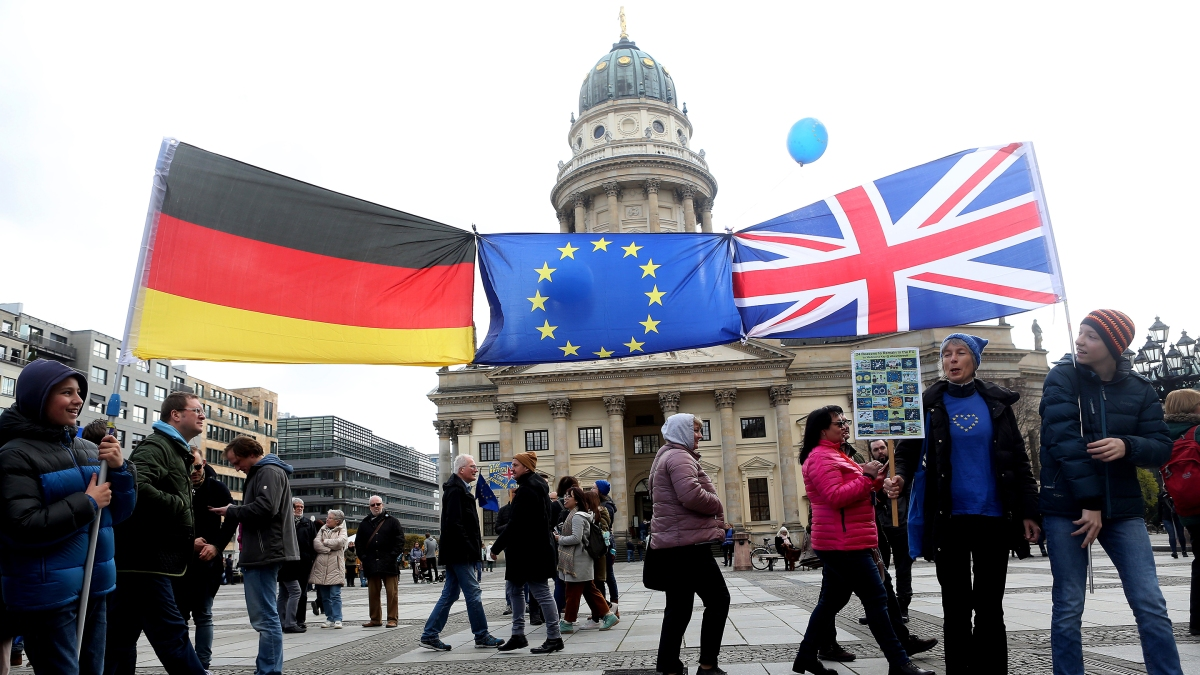 Britain steps up Brexit planning… in Germany