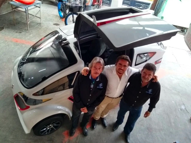 Mexican entrepreneurs set their sights on electric cars