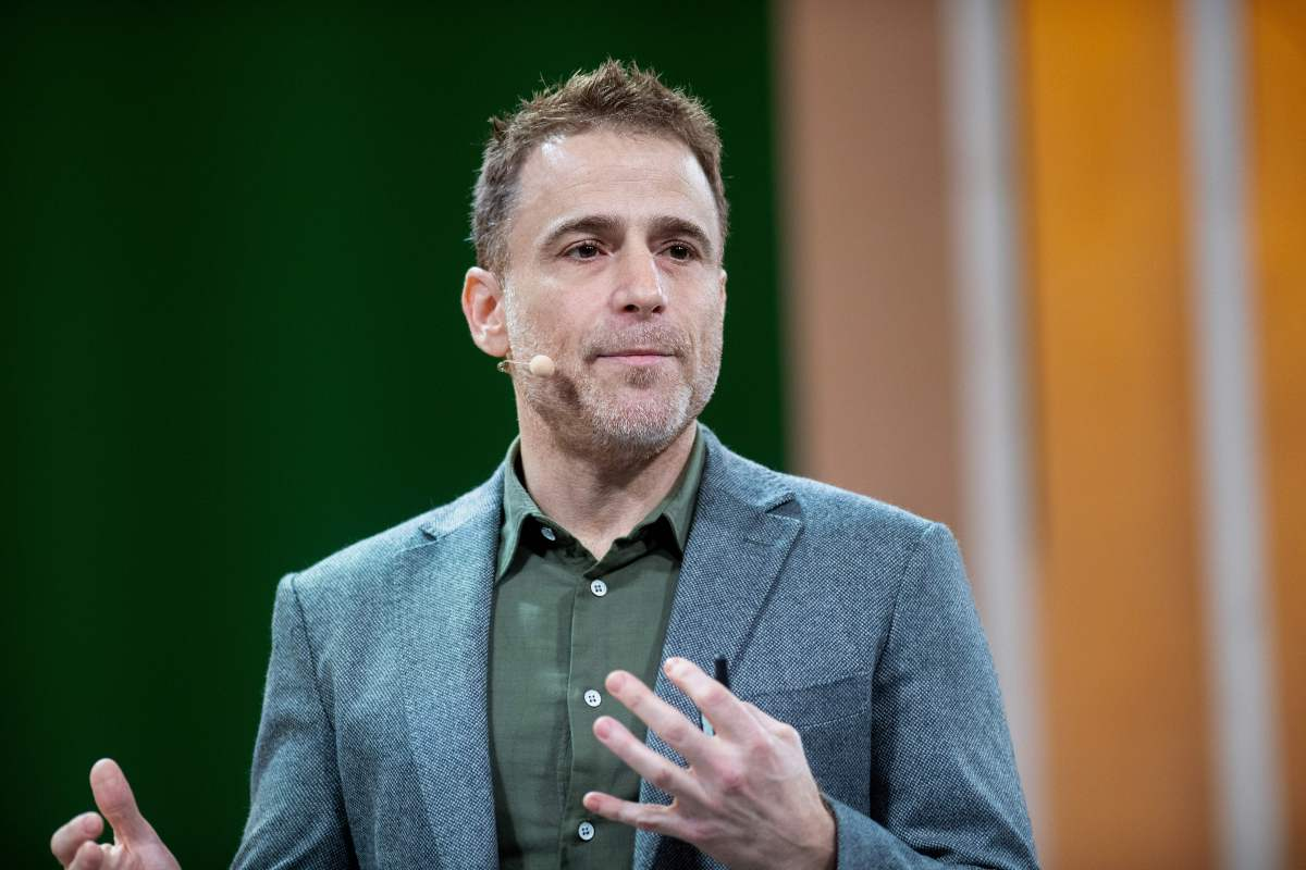 How the CEO of Slack uses Slack