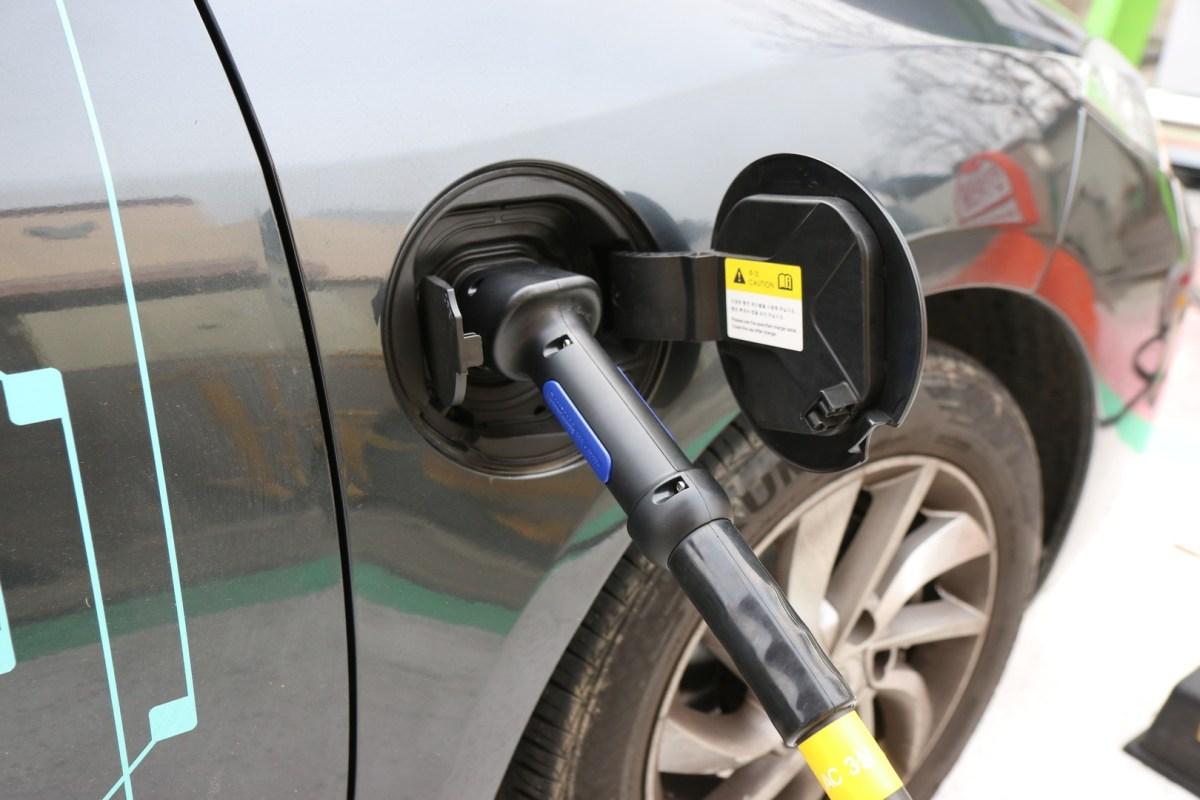 Mexico's entrepreneurs dive into the electric car market