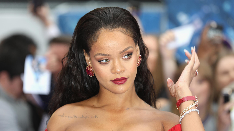 Rihanna - ROC NATION   1620x2880