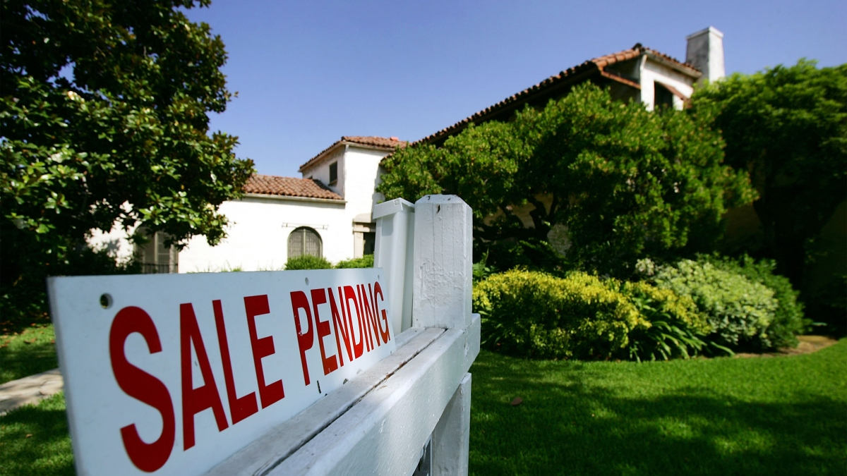 Why are Americans moving less and less?