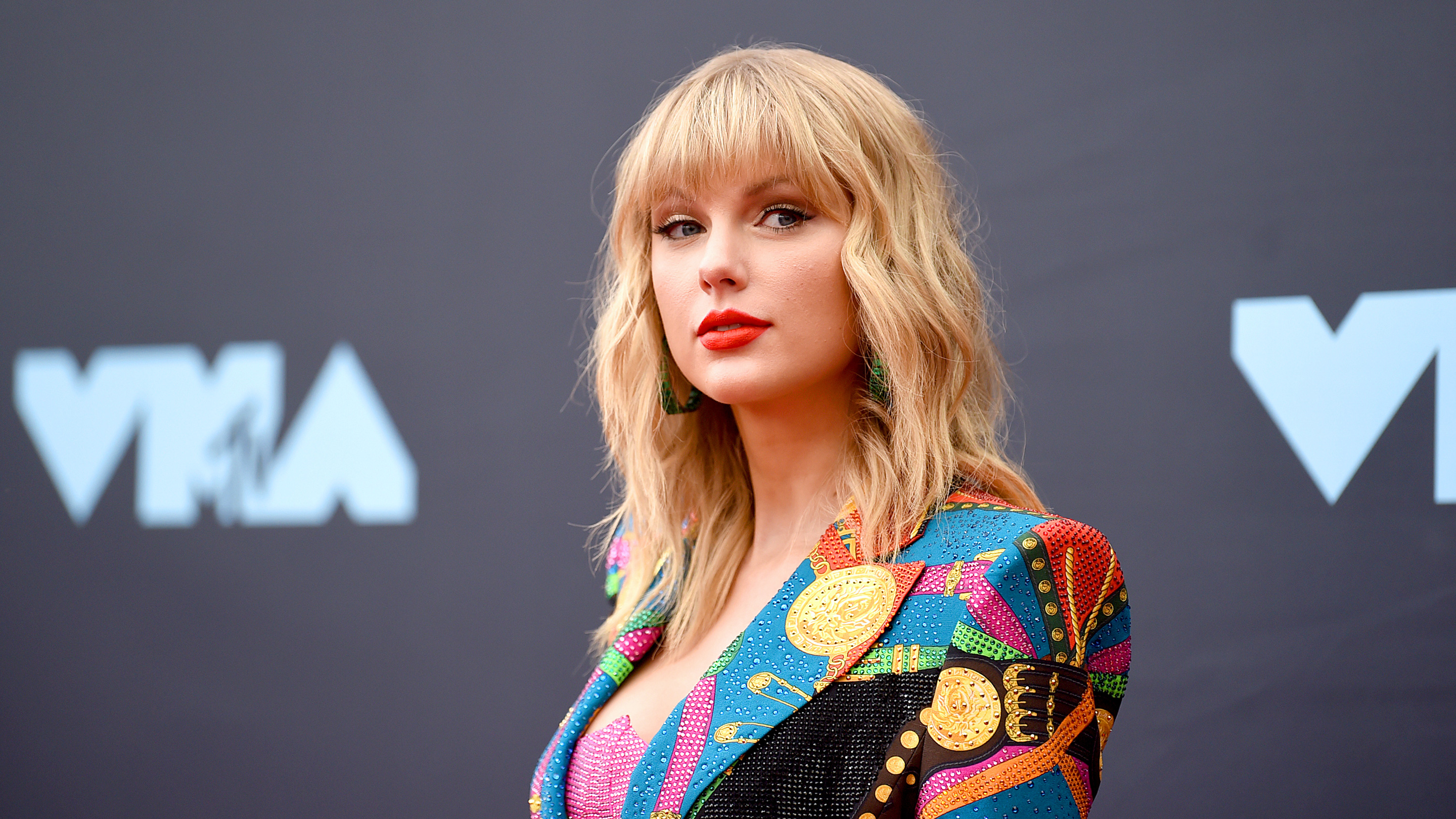 Taylor Swift Rerecording Her Old Songs To Control The Licenses Marketplace