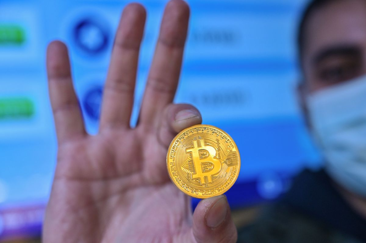 Why is Bitcoin better? Let her count the ways. - Marketplace