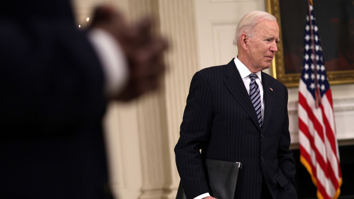 Biden to propose capital gains tax of 39.6% on investors earning $1M or more - Marketplace
