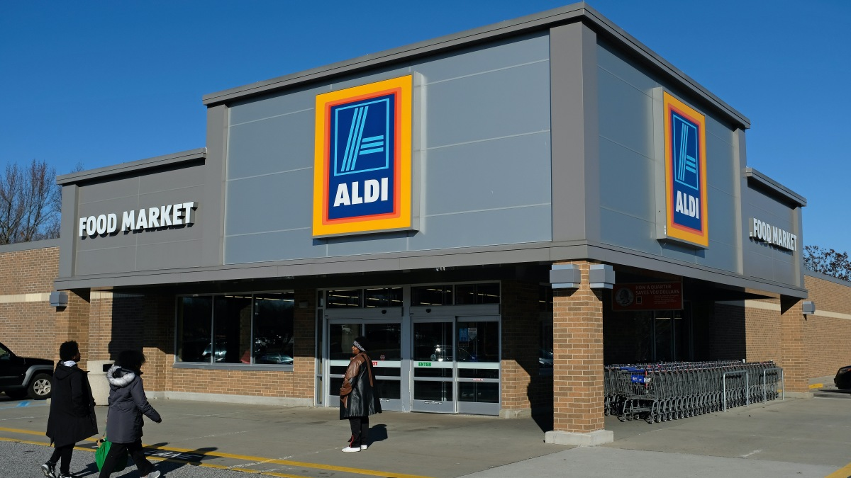Commercial landlords look to grocery stores to fill retail vacancies - Marketplace