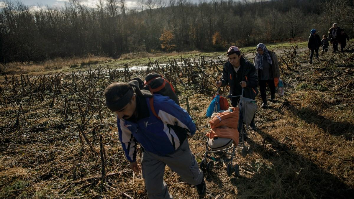 Migrants in Bosnia-Herzegovina face underground economy - Marketplace
