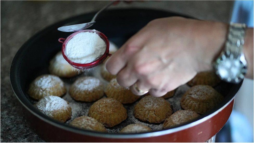 How a cookie has become symbolic of Lebanon's crumbling economy