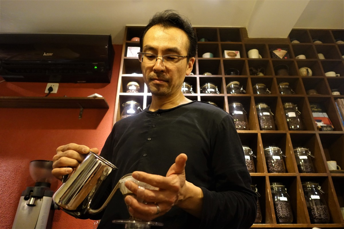 China's fierce coffee shop scene keeps owners on their toes - Marketplace