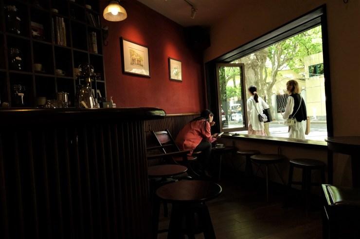Avec la fermeture des frontières pendant la pandémie, de nombreux clients chinois dépensent davantage sur le marché intérieur, au profit de cafés haut de gamme comme Rumors (Charles Zhang/Marketplace)