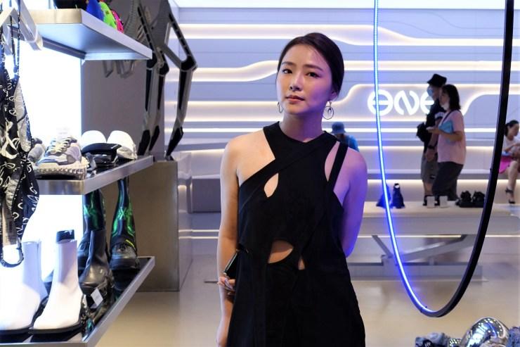 Sherry Huang, proprietaria di abbigliamento di Inge, ha affermato che i giovani consumatori pagheranno un premio per i marchi che hanno culture e valori in linea con i propri.  (Charles Zhang/Mercato)
