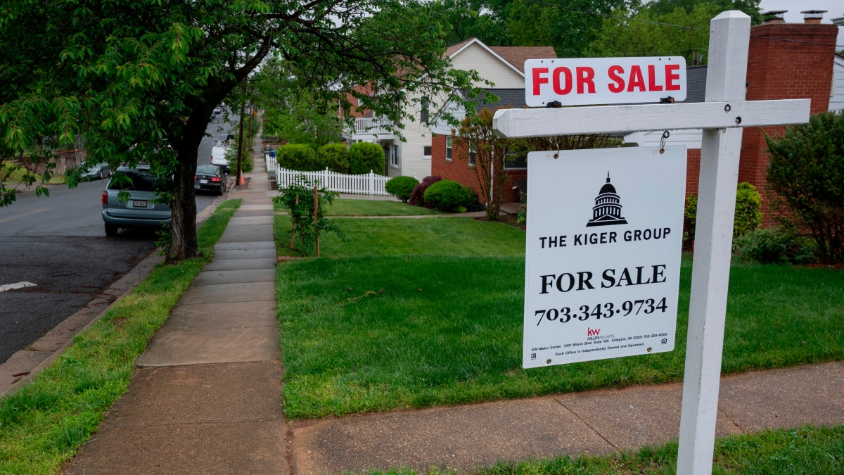 Home prices have been rising. Will mortgage rates catch up? - Marketplace